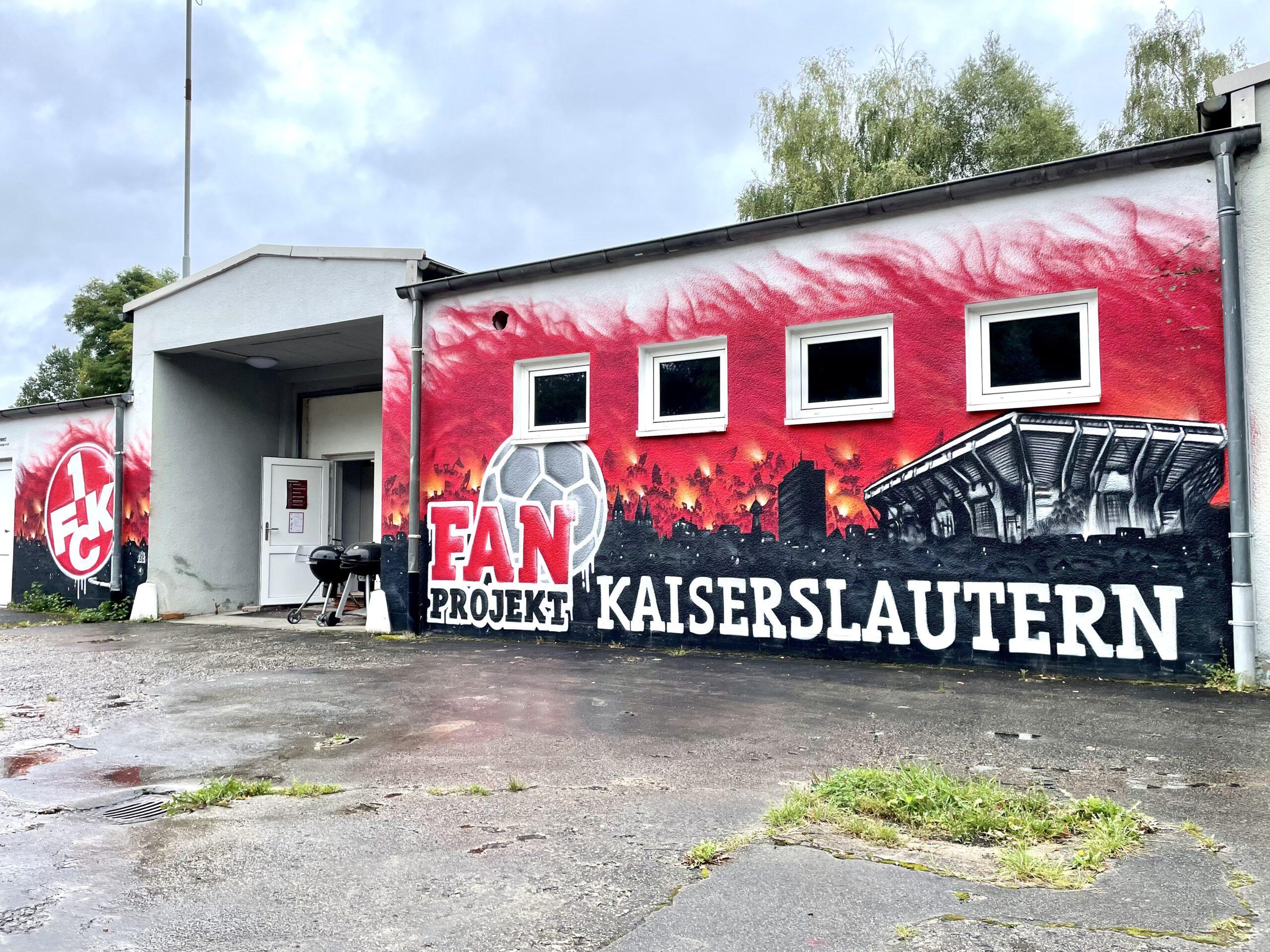 https://www.fanprojekt-kl.de/wp-content/uploads/2021/09/Kartoffelhalle-scaled.jpg